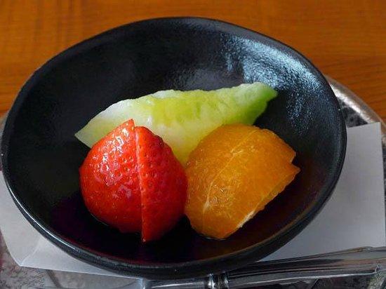 Tsukiji Tamura, Tsukiji: Fruits plate