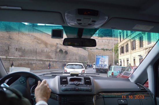 Driver Guide Service: Approaching the Vatican