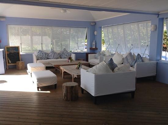 Pink Sands Resort: More Blue bar
