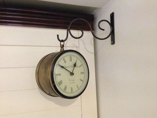 Mystique Heights Beacon, Panjim: Clock in the room