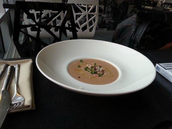 International SV : chestnut cream soup