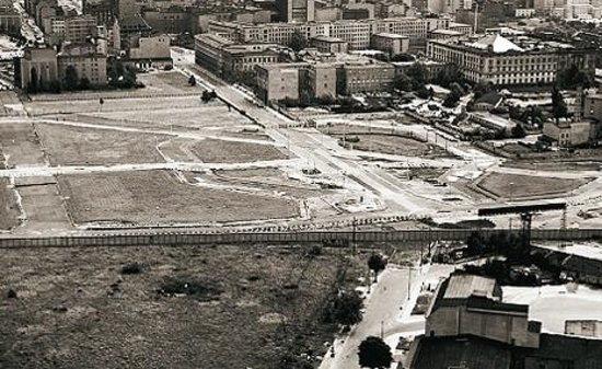 "Potsdamer Platz before: ""no-man's-land"""