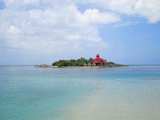 Sandals Royal Caribbean Resort and Private Island : Private island