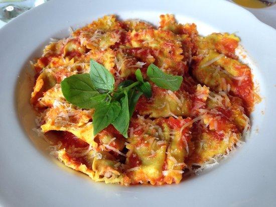 Artigiano: Ravioli di carne al marsala (absolutamente maravilhoso!!!)