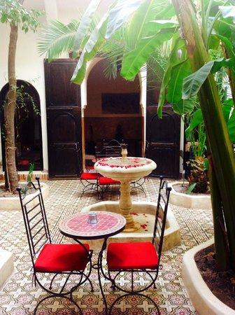 Riad Dar Tayib: Courtyard