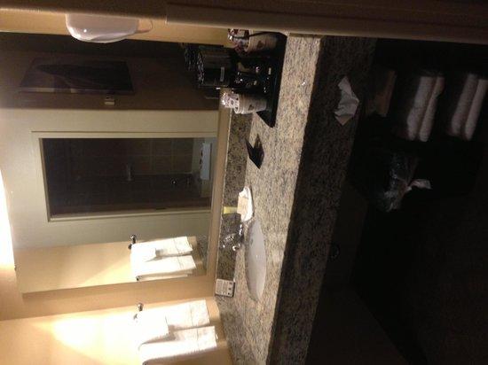 Kalahari Resorts & Conventions: Sink, coffee area