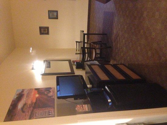Kalahari Resorts & Conventions : Microwave, fridge, tv