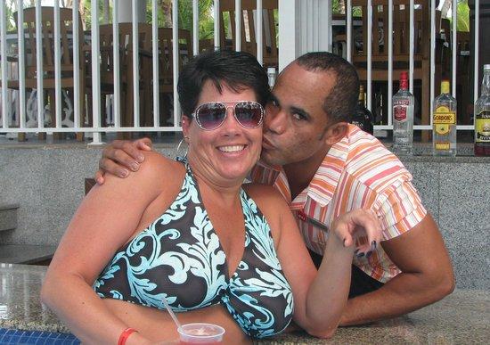 ClubHotel Riu Bambu : My favorite bartender - Pichardo