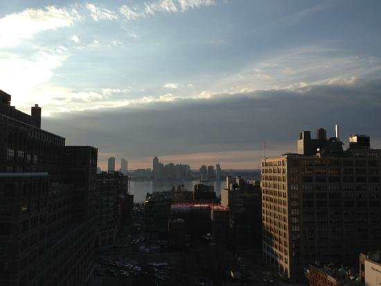 Hampton Inn Manhattan-SoHo : view from 19th Floor outside lounge.