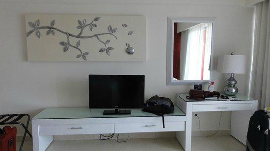 Temptation Cancun Resort.: room