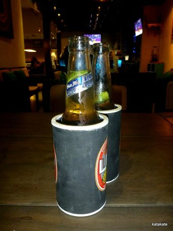 Sugar Reef Sports Bar & Restaurant: Nice icy cold beer to wash it down at great prices