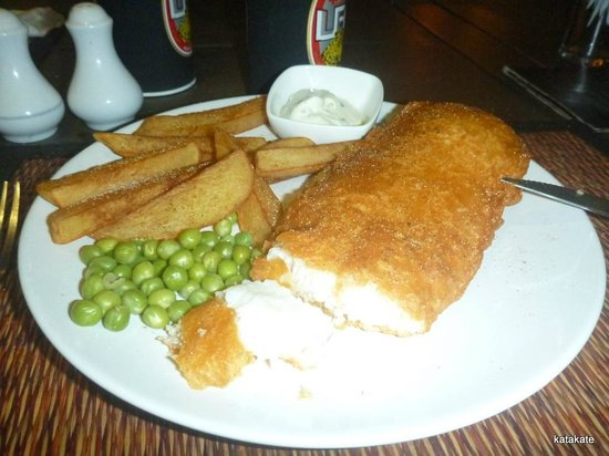 Sugar Reef Sports Bar & Restaurant : Fish and Chips on Friday nights - excellent value for your money