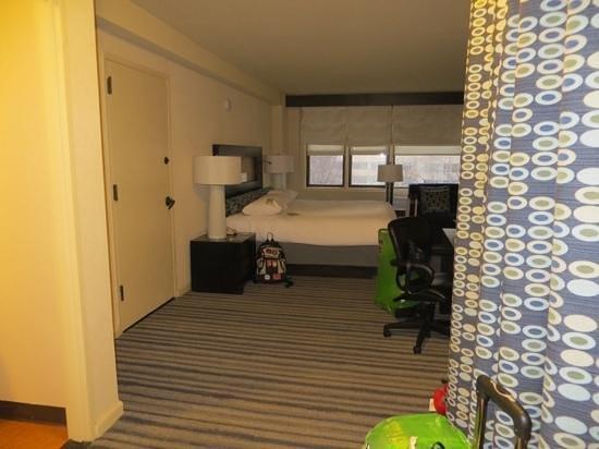 Gardens NYC–an Affinia hotel: Suite con cama extragrande