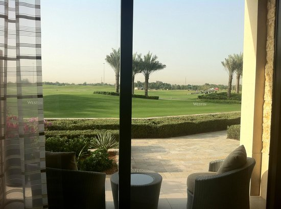 The Westin Abu Dhabi Golf Resort & Spa: The junior suites offer a garden terrace overlooking the golf course