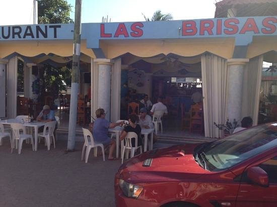 Las Brisas : view from the street