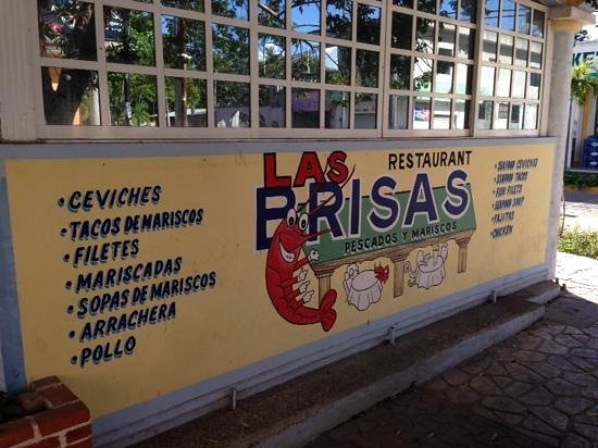 Las Brisas : distinctive wall