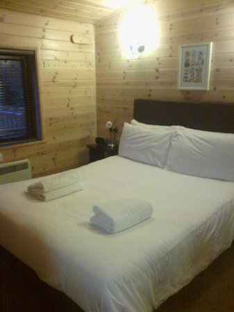 Darwin Forest Country Park : bedroom