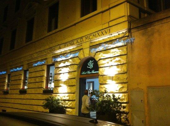 Hotel San Francesco : Front of hotel