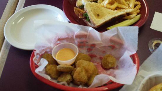 Clouds Country Cooking : Fried pickles