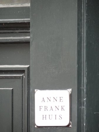 Anne Frank House: Somber experience...