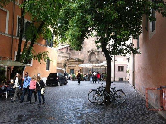 Hotel San Francesco : On the street near the hotel