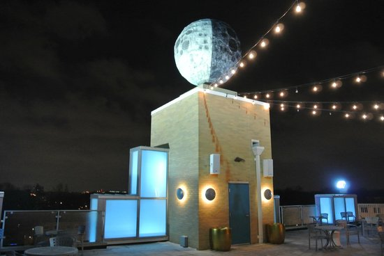 Moonrise Hotel: the roof