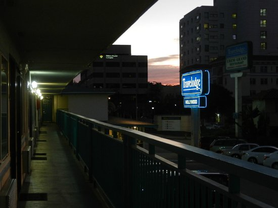 Travelodge Hollywood-Vermont/Sunset : entrada del hotel