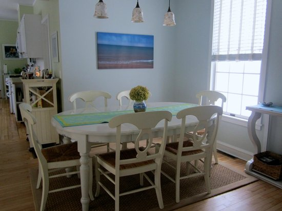 Blessings by the Beach: Dining room