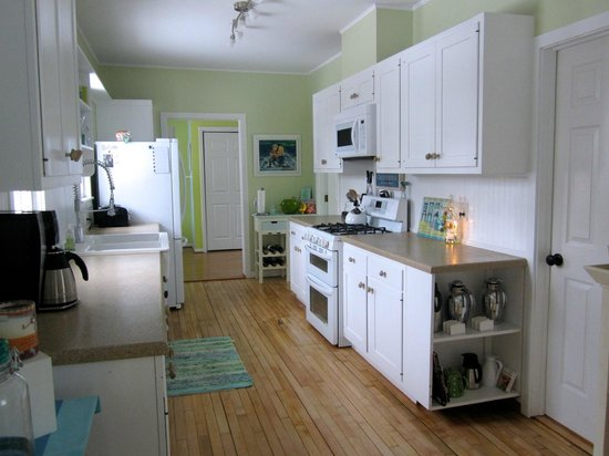 Blessings by the Beach: Kitchen