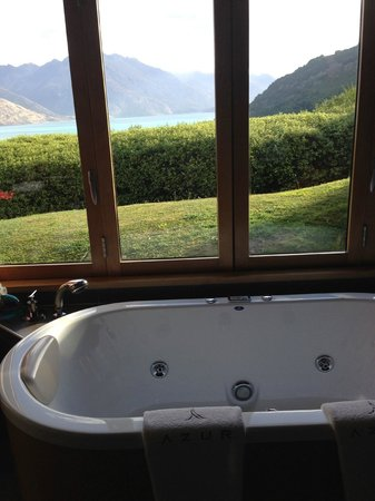 Azur: View from the bath
