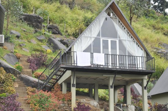 The Waterfall Villas : Cottage front look