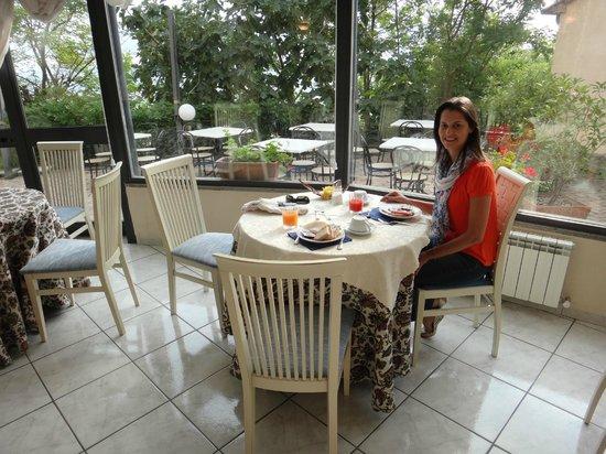 Hotel dei Capitani: Café da manhã muito bom, servido num ambiente delicioso!