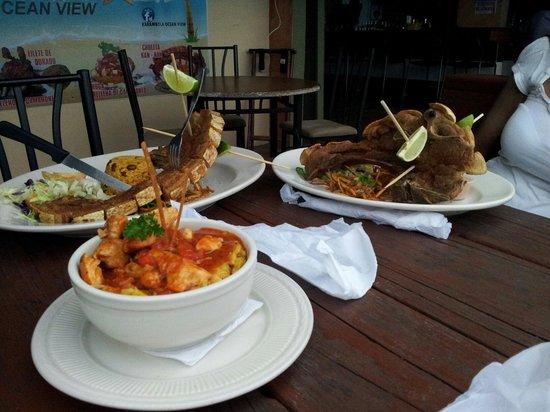 Karambola Ocean View: Chuletas Kan Kan y mofongo relleno de camarones!