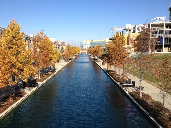 Central Canal: gorgeous fall trees
