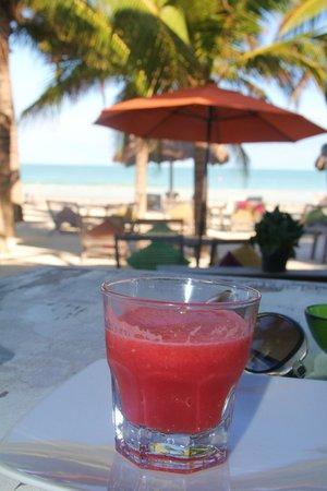 Holbox Hotel Casa las Tortugas - Petit Beach Hotel & Spa: Watermelon juice/ breakfast