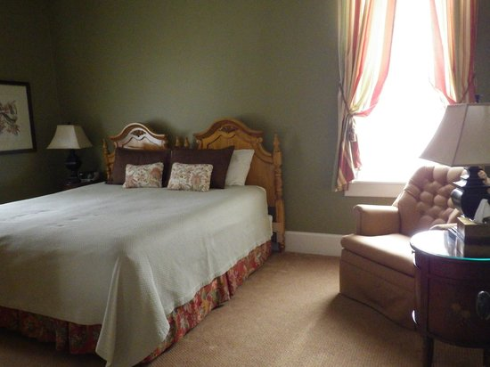 The Inn at Cooperstown : Upstairs bedroom