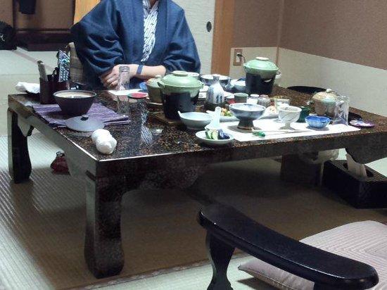 Satsuki: 夕食配膳時