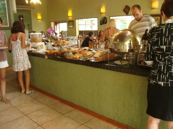 Orquídeas Hotel & Cabañas: comedor en horario de desayuno