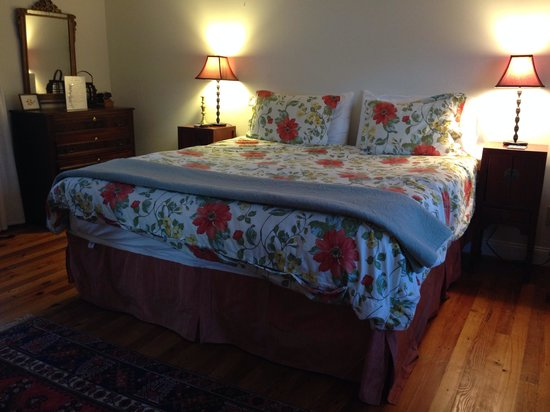 The Ledge House Bed and Breakfast: Heavenly bed!