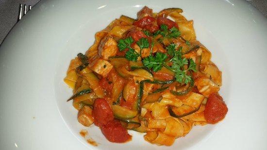 Ciani Lugano: Pasta with tuna!  Delicioso