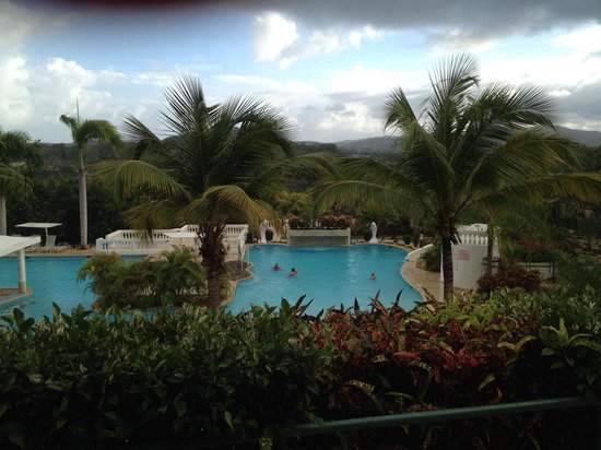 The Fajardo Inn: Coco's pool