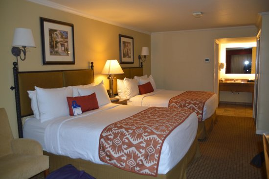 Best Western Plus Arroyo Roble Hotel & Creekside Villas : room