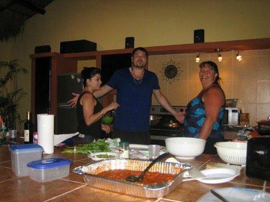 Hotel LunaSol: Community Kitchen