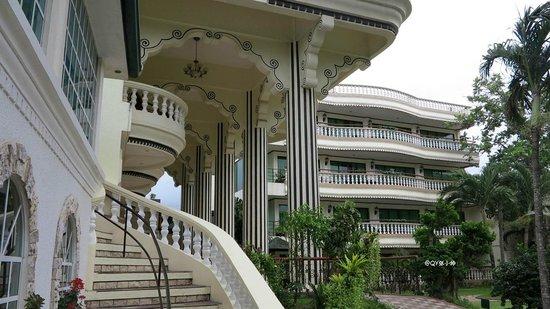 Paradise Garden Resort Hotel & Convention Center Boracay: 4