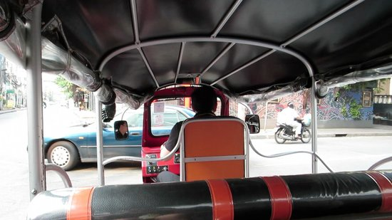 Le Fenix Sukhumvit : Free Tuk Tuk to the train station