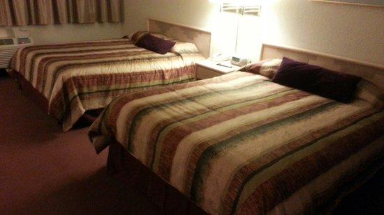 Grand Canyon Inn & Motel : 침대