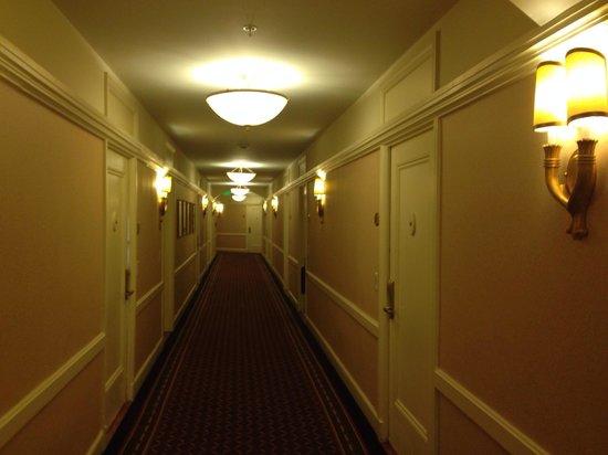 InterContinental Mark Hopkins San Francisco: Hallways