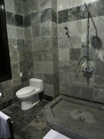 Hoi An Trails Resort : 2nd bath
