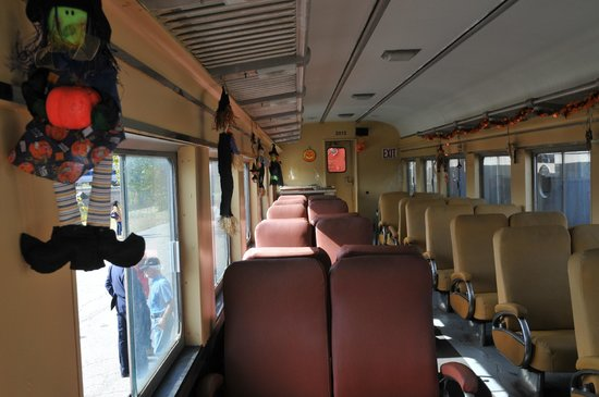 Danbury Railway Museum : Inside rail car