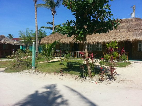 Beach Placid Resort, Restaurant and Bar: View of cottages 14, 15 & 16